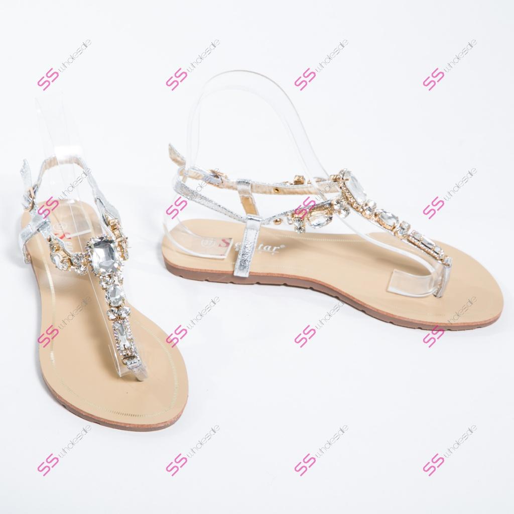 00bbe2266995 Silver sandále s ozdobnými kamienkami