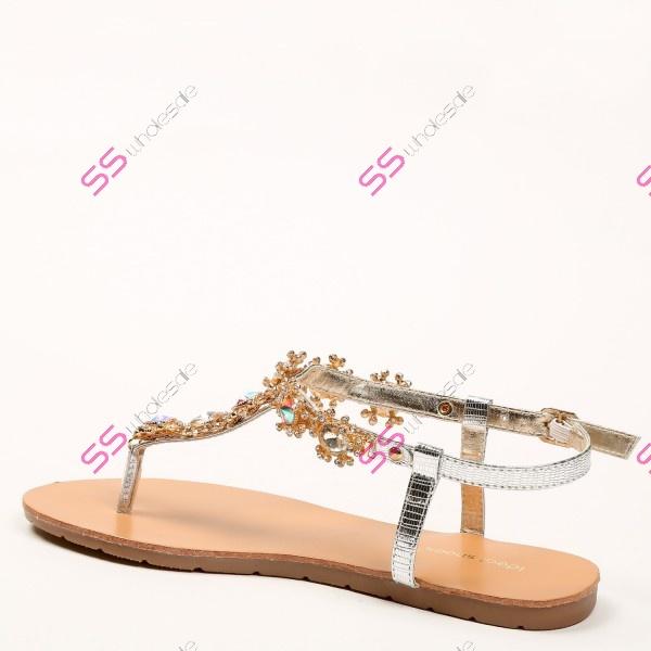 a781b567b4f4 Silver sandále s ozdobnými kamienkami+